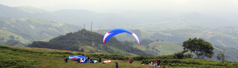 curso basico vuelo en parapente donostia san sebastian gipuzkoa urruti sport cabecera_cursos_parapente_web_urruti_2